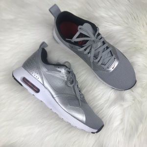 Nike Air Max Tavas Metallic Silver Gray Sz 8.5